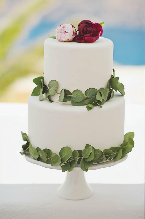 Glamorous-Santorini-Wedding-at-the-Anastasi-Church-Thanasis-Kaiafas-18