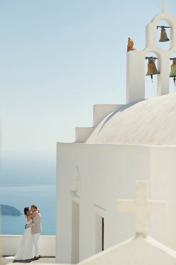 Glamorous-Santorini-Wedding-at-the-Anastasi-Church-Thanasis-Kaiafas-2