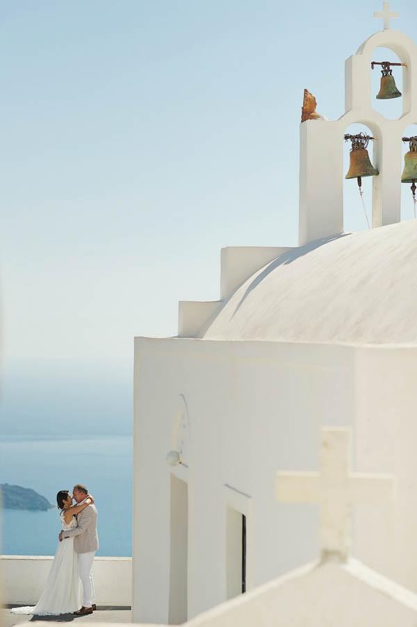 Glamorous-Santorini-Wedding-at-the-Anastasi-Church-Thanasis-Kaiafas-2