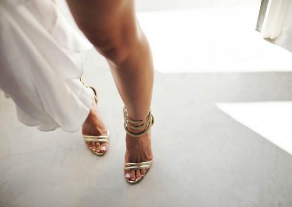 Glamorous-Santorini-Wedding-at-the-Anastasi-Church-Thanasis-Kaiafas-22
