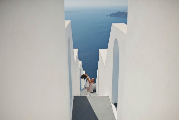 Glamorous-Santorini-Wedding-at-the-Anastasi-Church-Thanasis-Kaiafas-25