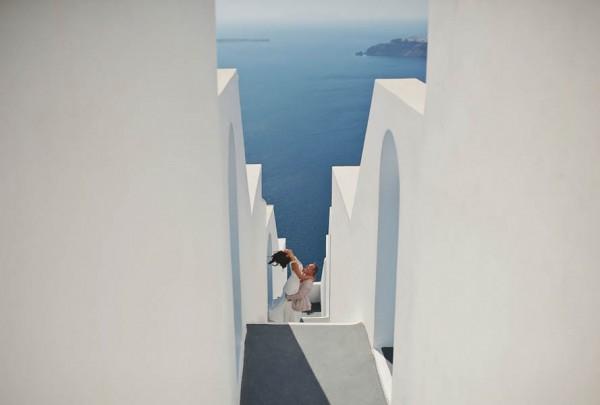 Glamorous-Santorini-Wedding-at-the-Anastasi-Church-Thanasis-Kaiafas-25