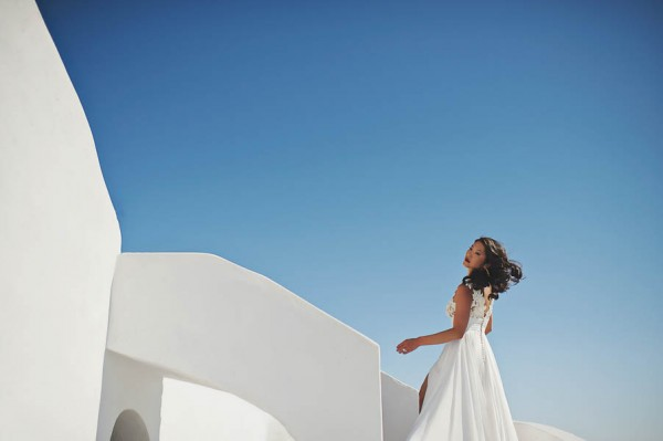 Glamorous-Santorini-Wedding-at-the-Anastasi-Church-Thanasis-Kaiafas-5