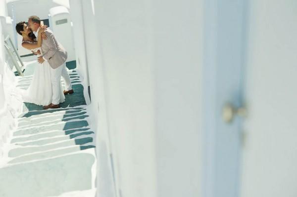 Glamorous-Santorini-Wedding-at-the-Anastasi-Church-Thanasis-Kaiafas-6