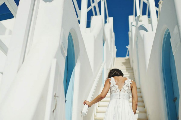 Glamorous-Santorini-Wedding-at-the-Anastasi-Church-Thanasis-Kaiafas-7