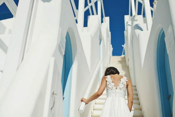 Glamorous-Santorini-Wedding-at-the-Anastasi-Church-Thanasis-Kaiafas-7
