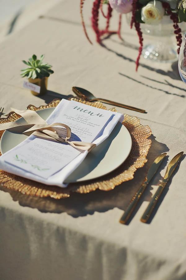 Glamorous-Santorini-Wedding-at-the-Anastasi-Church-Thanasis-Kaiafas-8