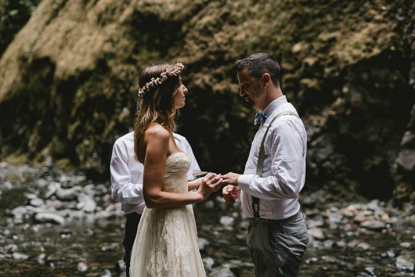 Intimate-Barefoot-Elopement-Columbia-River-Gorge-19