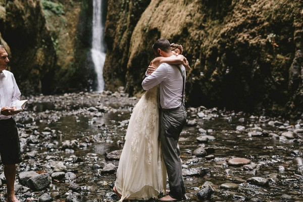 Intimate-Barefoot-Elopement-Columbia-River-Gorge-21
