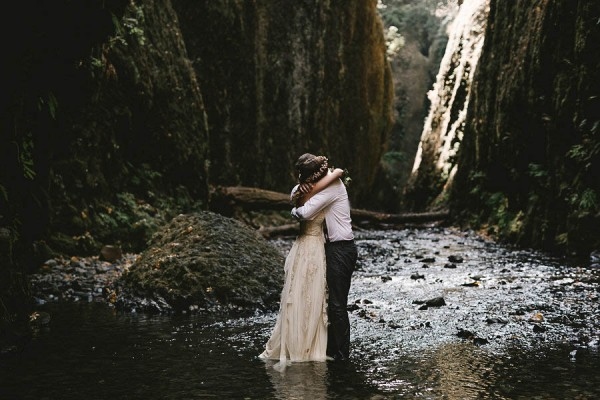 Intimate-Barefoot-Elopement-Columbia-River-Gorge-32