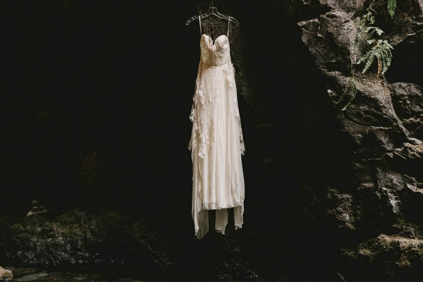 Intimate-Barefoot-Elopement-Columbia-River-Gorge-4
