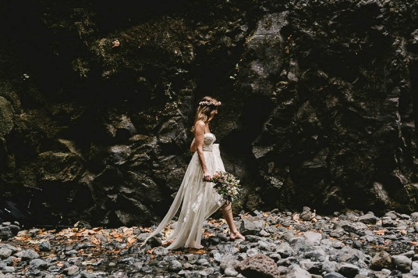 Intimate-Barefoot-Elopement-Columbia-River-Gorge-8
