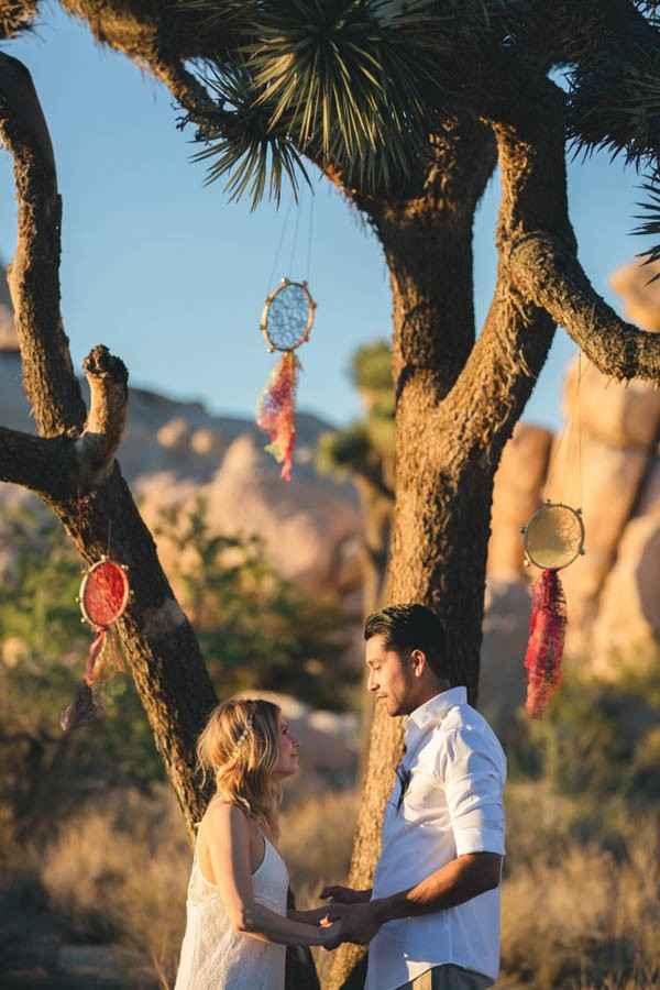 Joshua-Tree-Elopement-Inspiration-Colorful-Southwestern-Vibes-11
