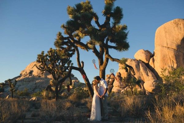 Joshua-Tree-Elopement-Inspiration-Colorful-Southwestern-Vibes-14