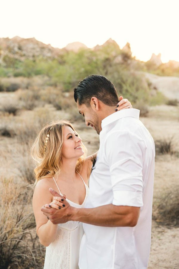 Joshua-Tree-Elopement-Inspiration-Colorful-Southwestern-Vibes-19