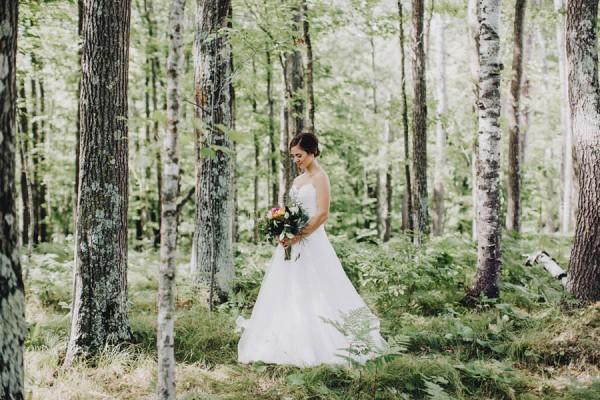 Minnesota-Woodland-Wedding-at-Juliane-James-Place-Matt-Lien-14