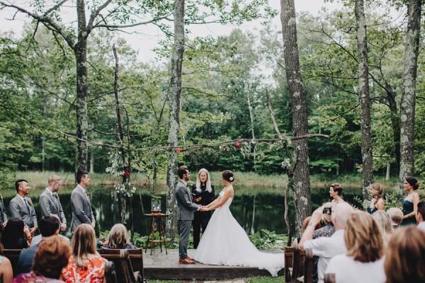 Minnesota-Woodland-Wedding-at-Juliane-James-Place-Matt-Lien-24