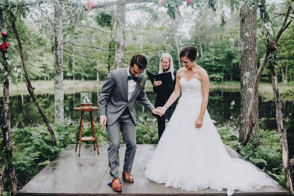Minnesota-Woodland-Wedding-at-Juliane-James-Place-Matt-Lien-28