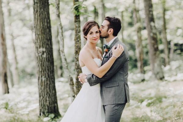 Minnesota-Woodland-Wedding-at-Juliane-James-Place-Matt-Lien-9