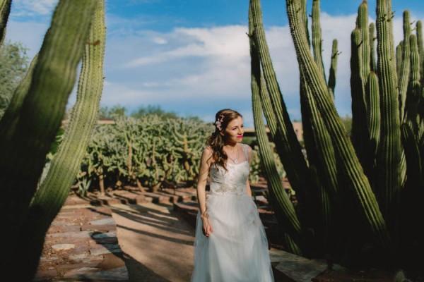 Navy-Blue-Phoenix-Wedding-Among-Cacti-3