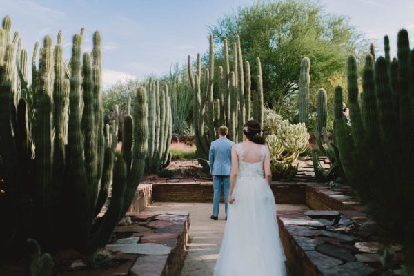 Navy-Blue-Phoenix-Wedding-Among-Cacti-4