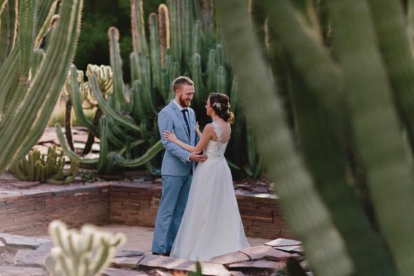 Navy-Blue-Phoenix-Wedding-Among-Cacti-5