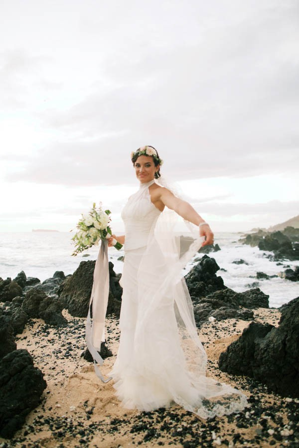 Stylish Hawaiian Wedding At White Orchid Beach House