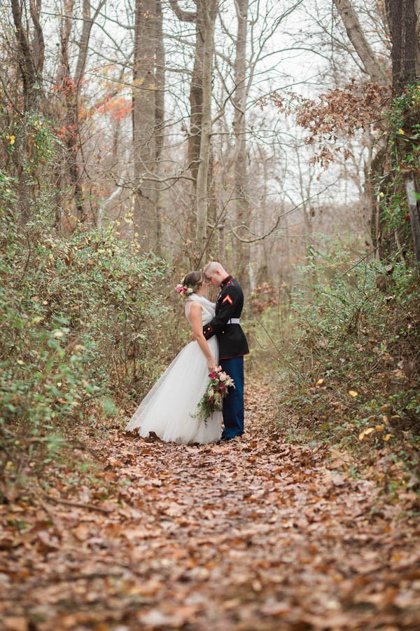 Winter-Wedding-at-Gunpowder-Falls-State-Park-Alysia-and-Jayson-16