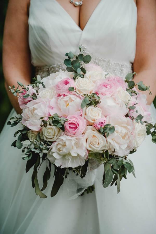 Blush-and-Gray-Des-Moines-Wedding-at-Sticks-Amanda-Basteen-4-of-26-600x898