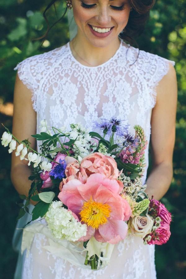 Casually-Romantic-Vermont-Wedding-at-Alerin-Barn-12-of-35-600x900