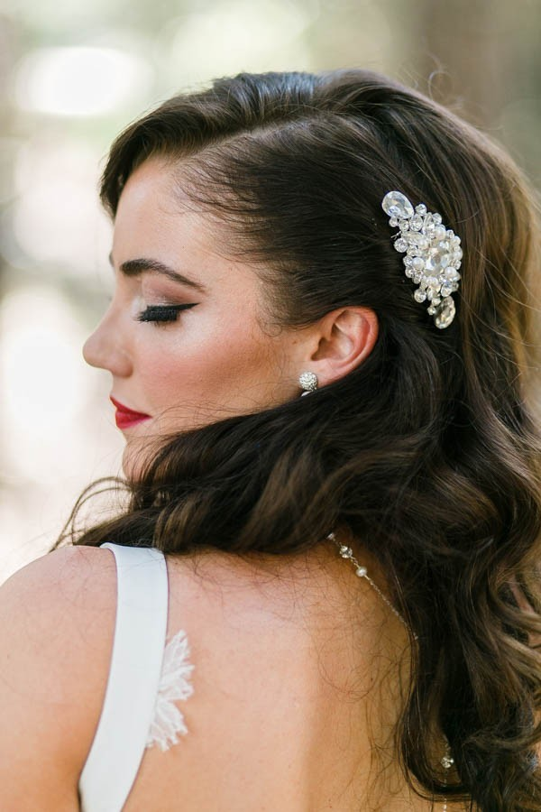 20 Glamorous, Ethereal, and Elegant Bridal Hair Accessories to ...