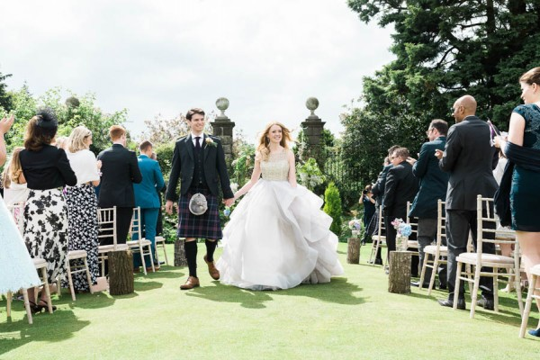 Dreamy-Scottish-Tipi-Wedding-Greenbank-Garden-13