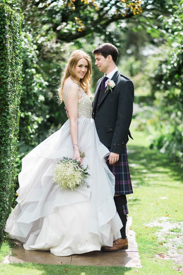 Dreamy-Scottish-Tipi-Wedding-Greenbank-Garden-15