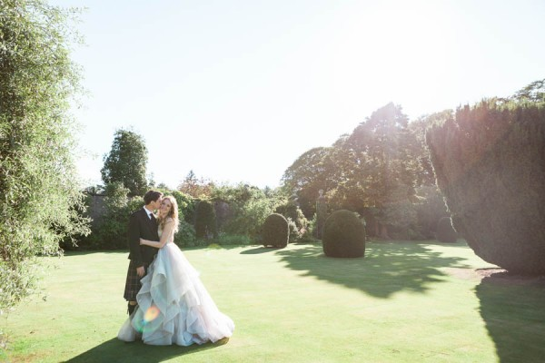Dreamy-Scottish-Tipi-Wedding-Greenbank-Garden-21
