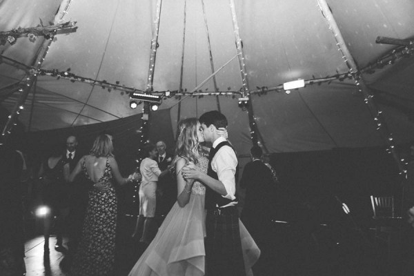 Dreamy-Scottish-Tipi-Wedding-Greenbank-Garden-25