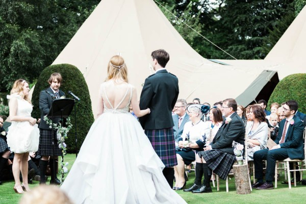 Dreamy-Scottish-Tipi-Wedding-Greenbank-Garden-9