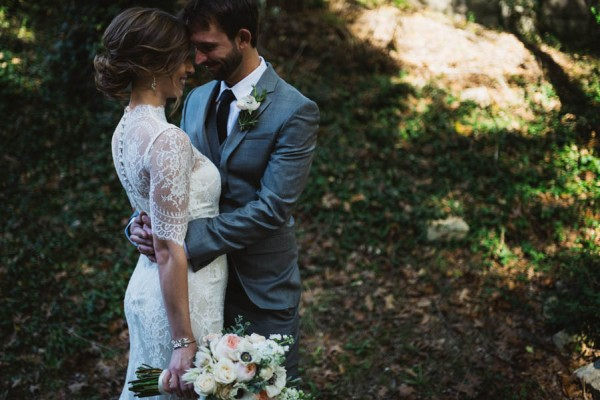 Effortlessly-Elegant-Missouri-Wedding-Lalumondiere-River Mill-Gardens-10