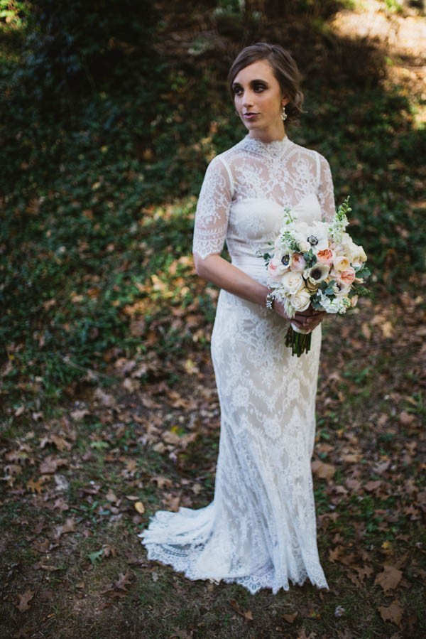 Effortlessly-Elegant-Missouri-Wedding-Lalumondiere-River Mill-Gardens-12