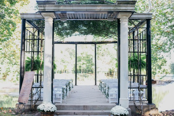 Effortlessly-Elegant-Missouri-Wedding-Lalumondiere-River Mill-Gardens-26