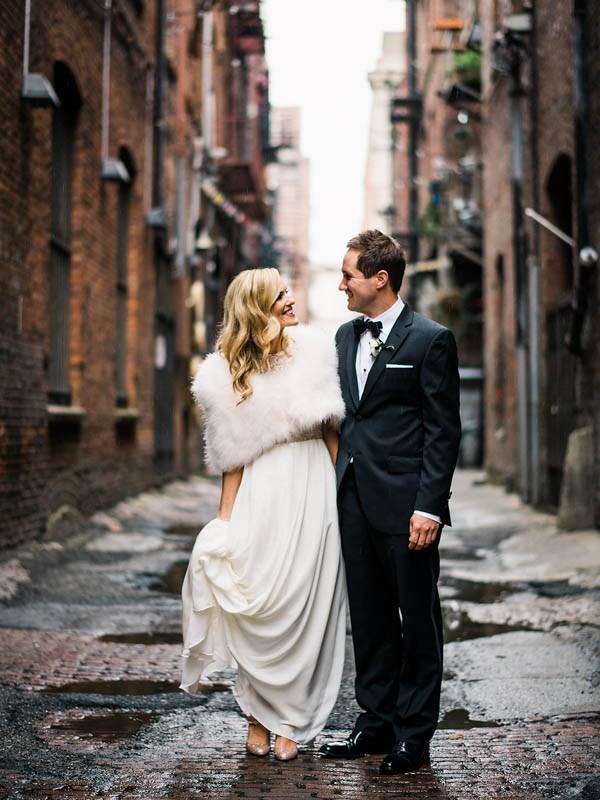 Glamorous-Black-and-Gold-Four-Seasons-Wedding-Ryan-Flynn-Photography-12