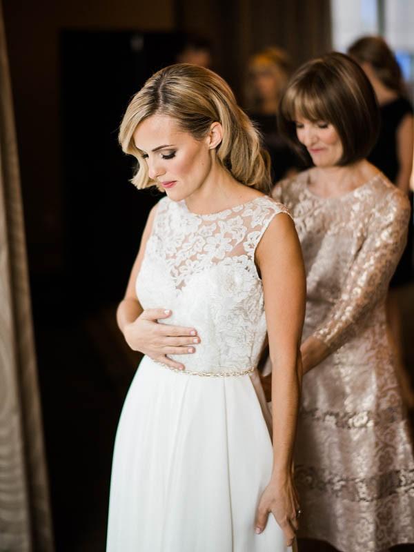 Glamorous-Black-and-Gold-Four-Seasons-Wedding-Ryan-Flynn-Photography-2
