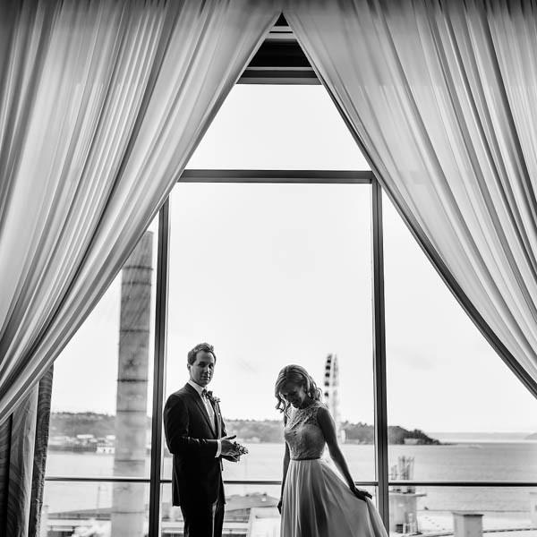 Glamorous-Black-and-Gold-Four-Seasons-Wedding-Ryan-Flynn-Photography-5
