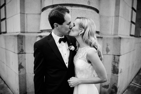Glamorous-Black-and-Gold-Four-Seasons-Wedding-Ryan-Flynn-Photography-8