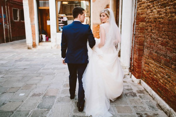 Insanely-Romantic-Grace-Kelly-Inspired-Venice-Elopement-Allison-Harp-Photography-12