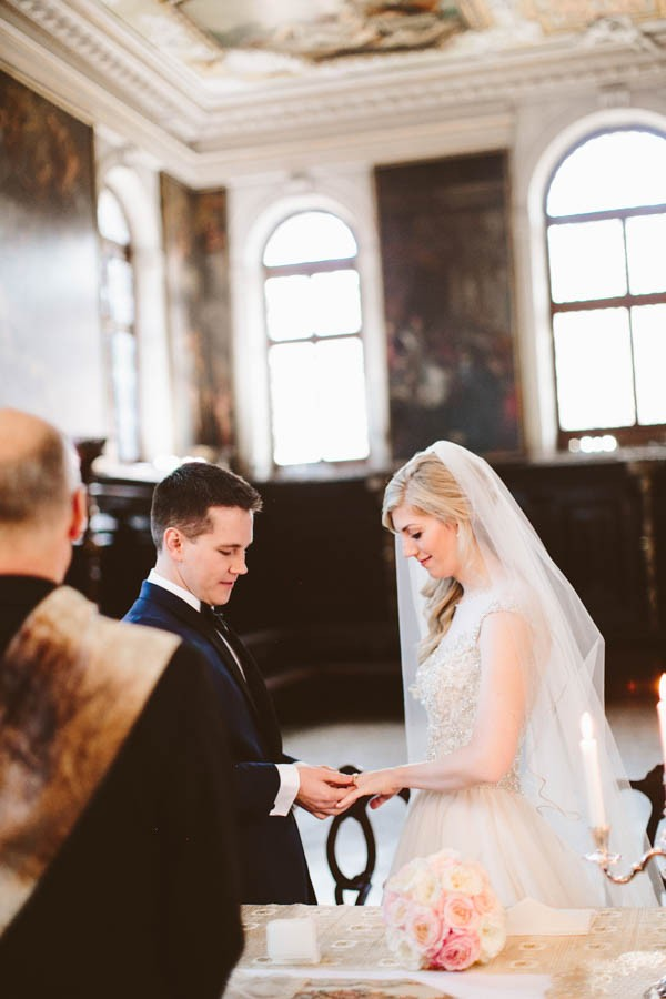 Insanely-Romantic-Grace-Kelly-Inspired-Venice-Elopement-Allison-Harp-Photography-17