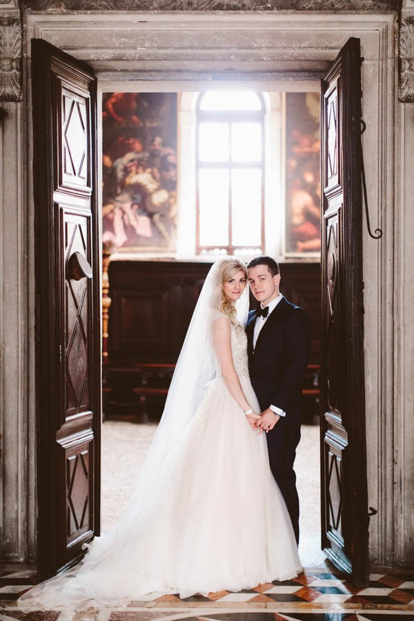 Insanely-Romantic-Grace-Kelly-Inspired-Venice-Elopement-Allison-Harp-Photography-24