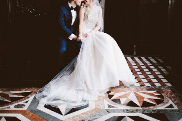 Insanely-Romantic-Grace-Kelly-Inspired-Venice-Elopement-Allison-Harp-Photography-30