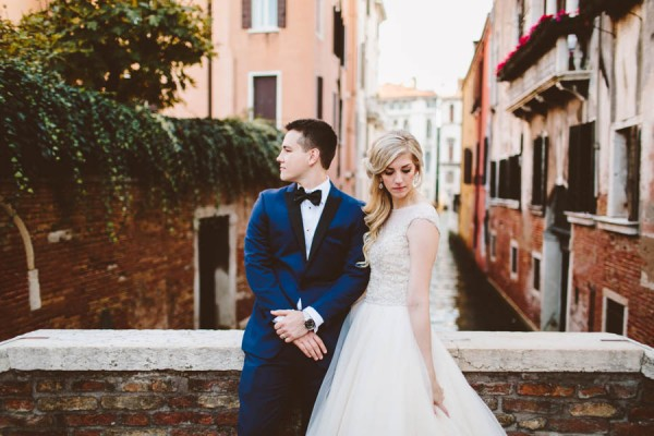 Insanely-Romantic-Grace-Kelly-Inspired-Venice-Elopement-Allison-Harp-Photography-39