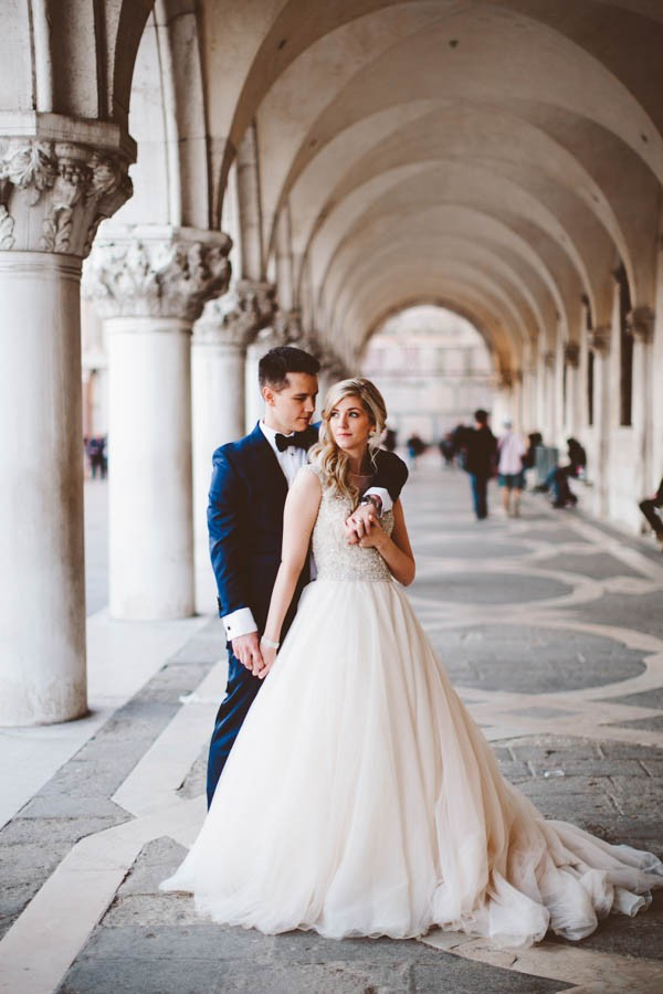 Insanely-Romantic-Grace-Kelly-Inspired-Venice-Elopement-Allison-Harp-Photography-42