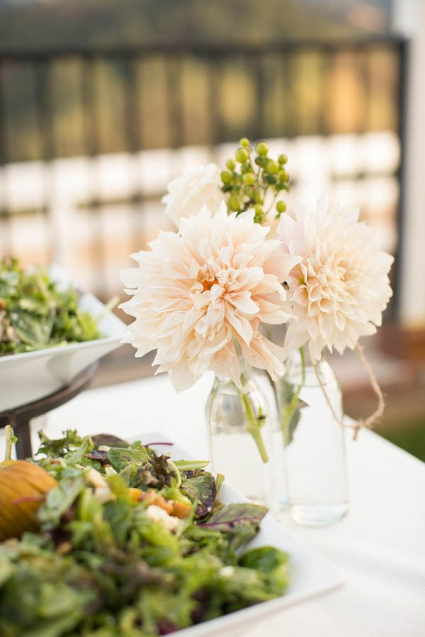 Laid-Back-Annapolis-Wedding-That-Doesn't-Skimp-Pretty-23